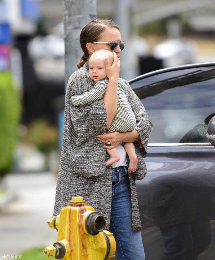 A múlt héten megmutattuk Natalie Portman kislányát, a háromhónapos Amalia Millepiedet