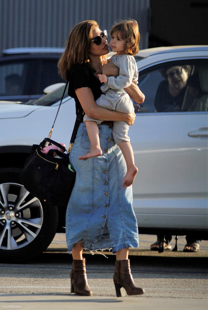Időről időre felmerülnek olyan pletykák, hogy Ryan Gosling és Eva Mendes már rég szakítottak, és azért nem mutatkoznak együtt soha