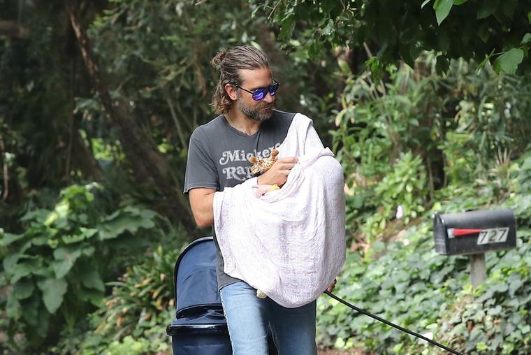 A színész még 2015-ben árulta el Ellen DeGeneres műsorában, hogy a film forgatása alatt egy műanyag babával vettek fel néhány jelenetet, pedig a forgatókönyvíró, Jason Hall szerint két gyermek szüleivel is megegyeztek, hogy babáik szerepelhetnek a filmben