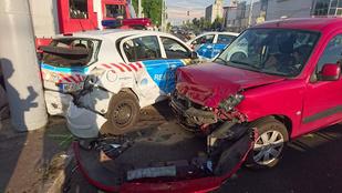 Karambolozott egy rendőrautó Budapesten!