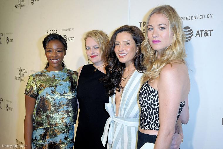 Az egyszerre izgalmas és nyomasztó sorozat fő szereplői között van még Samira Wiley (balra), valamint a kép jobb szélén Reed Morano és a Dexter sorozatból ismert Yvonne Strahovski is