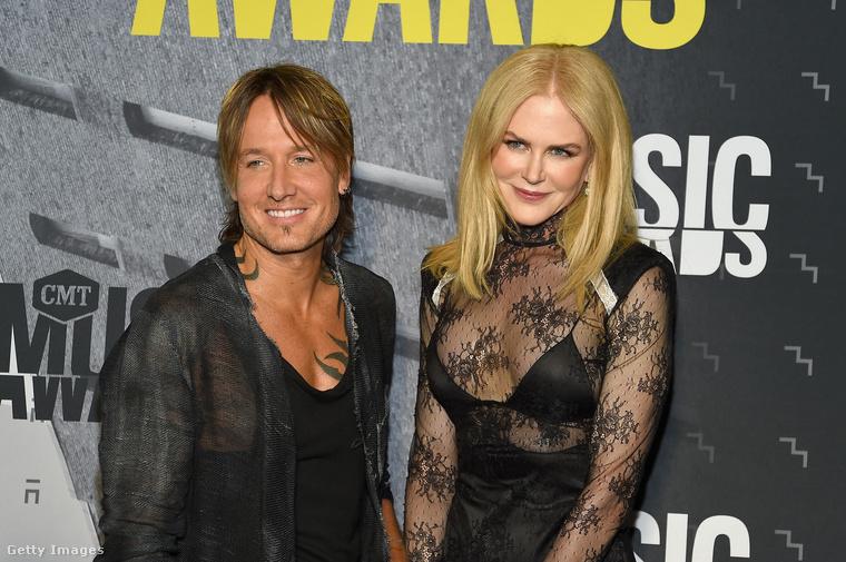 Még több goth ruhás Nicole Kidmandt!!!