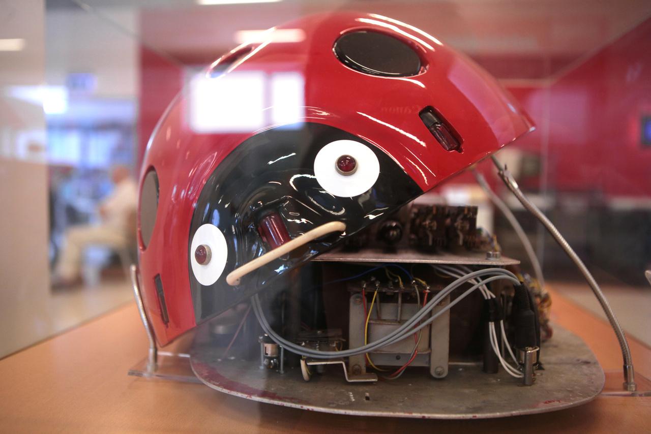 Muszka Dániel híres robotkaticája, az 1956-ban készült kibernetikus állatmodell.
