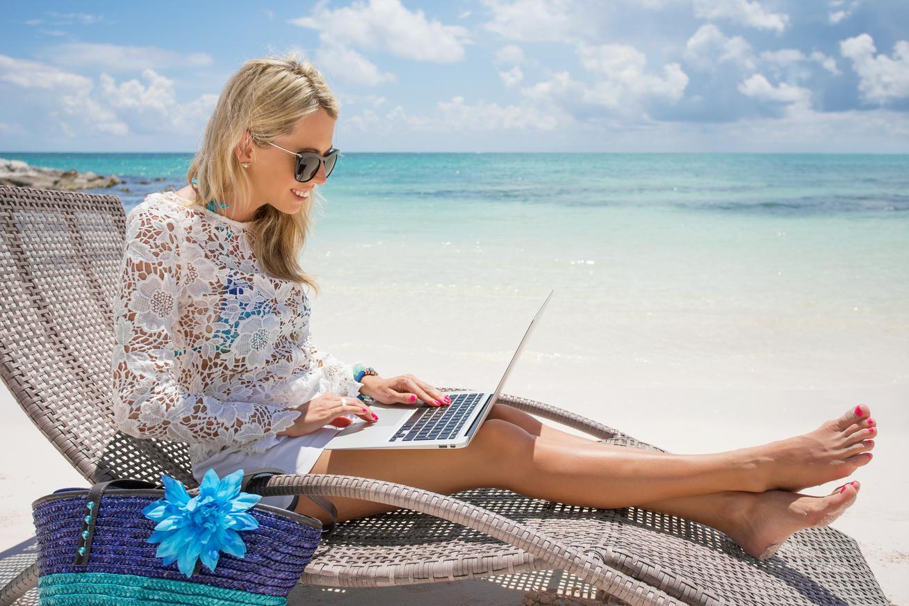 nyaral-laptop