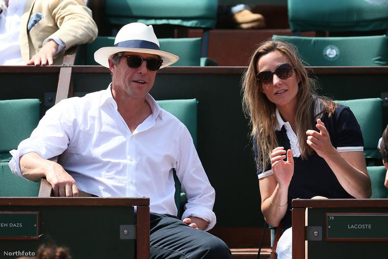 Úgy tűnik, hogy Hugh Grant párja nem szereti a nagy felhajtást, hiszen alig találni róluk közös képet