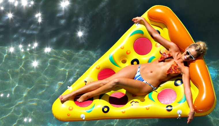 Pizza-Pool-Float (1)