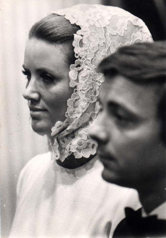 Így nézett ki Aradszky László és menyasszonya, Márky Éva az esküvőjükön 47 évvel ezelőtt.