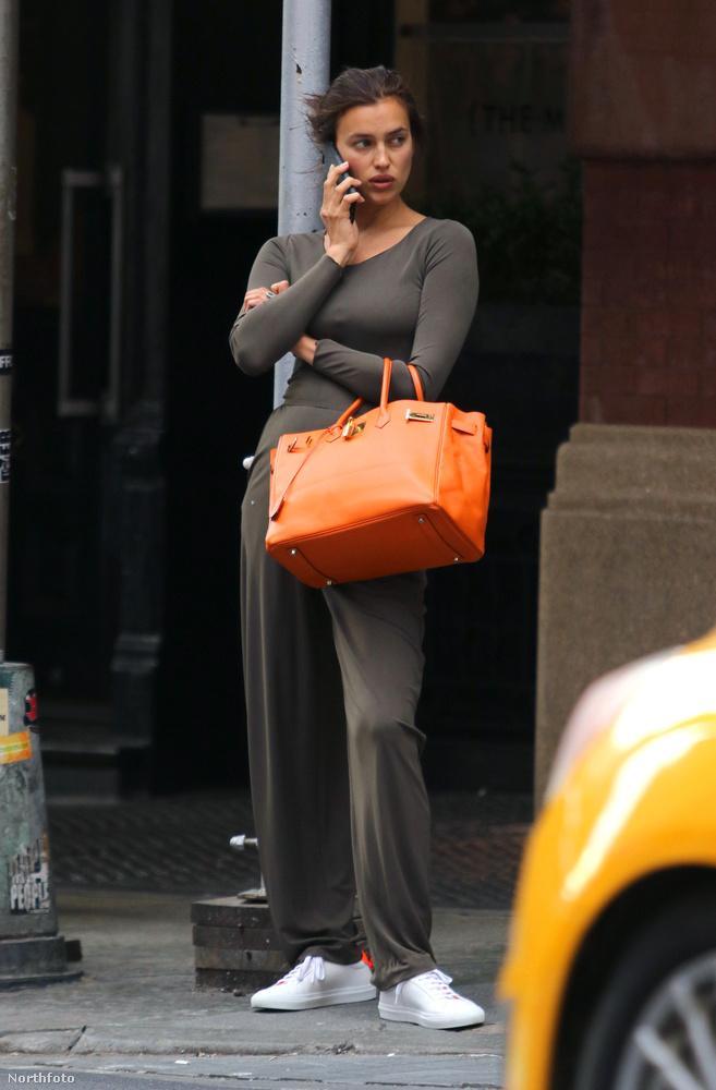 Amióta a 31 éves szupermodell három hónapja megszülte Bradley Cooperrel közös kislányát az is érdekes, ha mondjuk így telefonál.