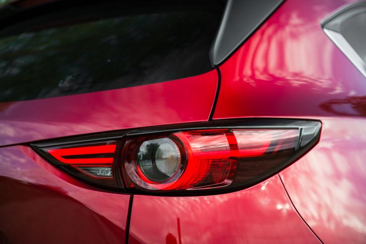 Létezhet egy iparági háziverseny az Opel és a Mazda lámpatervezői között