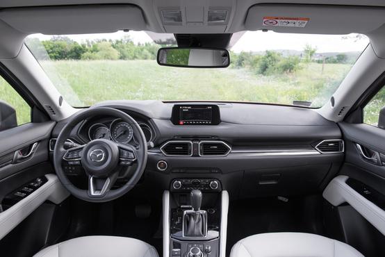 A szokásos majdnem jó Mazda-beltér