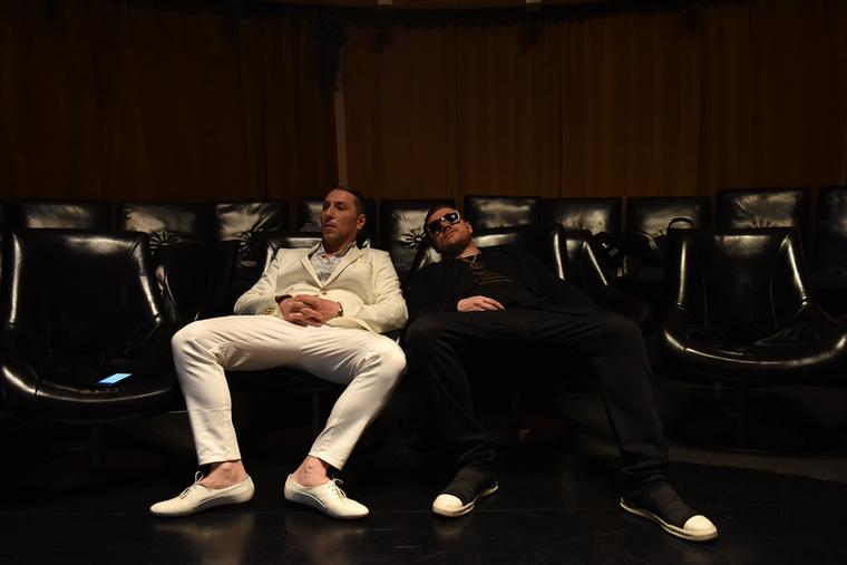 A hét közepén dalpremiert is tartottunk a Velveten: nálunk debütált Lomos úr és Pixa legújabb klipje, a Kasza Tibi lájvban van