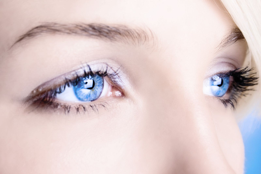 bigstock-close-up-of-a-blue-eyes-15465056