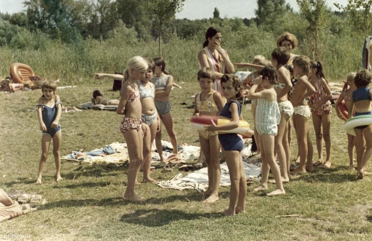 Aki 1975-ben volt gyerek, ilyen rucikban feszíthetett a strandon