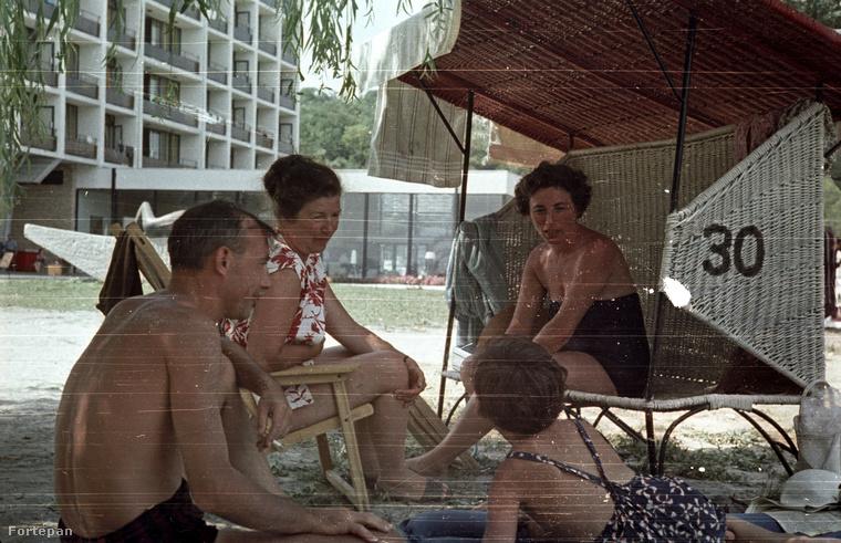 1965 és az egyik balatoni üdülő