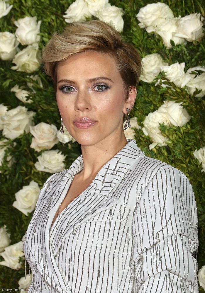 Ez a fotó Scarlett Johanssonról kimeríti a No Comment fogalmát.
