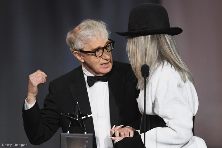 Woody Allen és Diane Keaton a díj átadása közben.