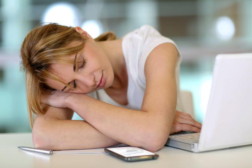 fáradt-nő
