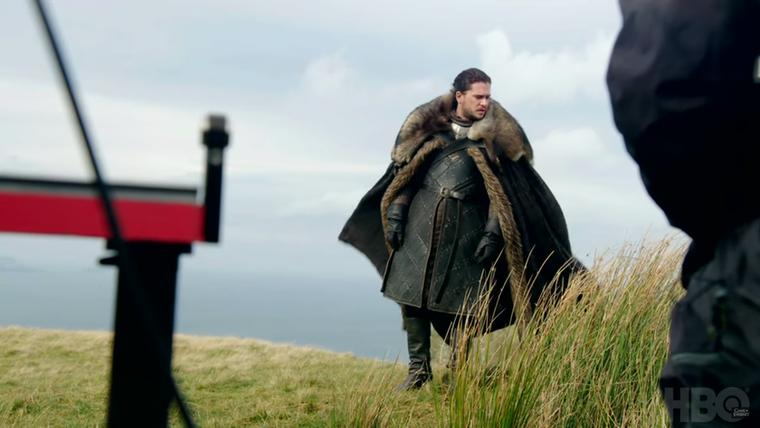 Remélhetőleg a dombtetőn álldogálásnál azért több akció lesz, tekintve, hogy ez az évad, nem is tíz epizódból fog állni, hanem hétből.