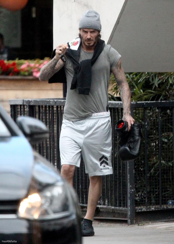 Amit lát, az még csak egy egyszerű fotó David Beckhamről, aki épp kilép egy londoni edzőterem ajtaján június 12-én