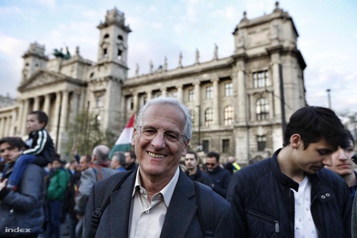 Sólyom László, volt köztársasági elnök, a lex CEU elleni tüntetésen, 2017. áprilisában.