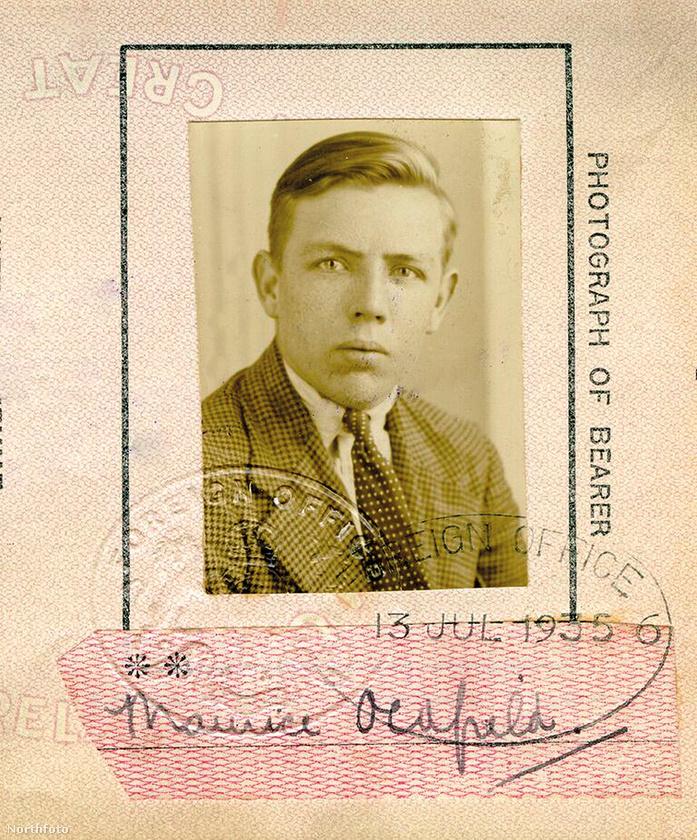Oldfieldről az unokaöccse jelentetett meg könyvet nemrég, amiben azt írja, a családban a férfiről csak a nevét tudták és azt, hogy a titkosszolgálatnak dolgozik