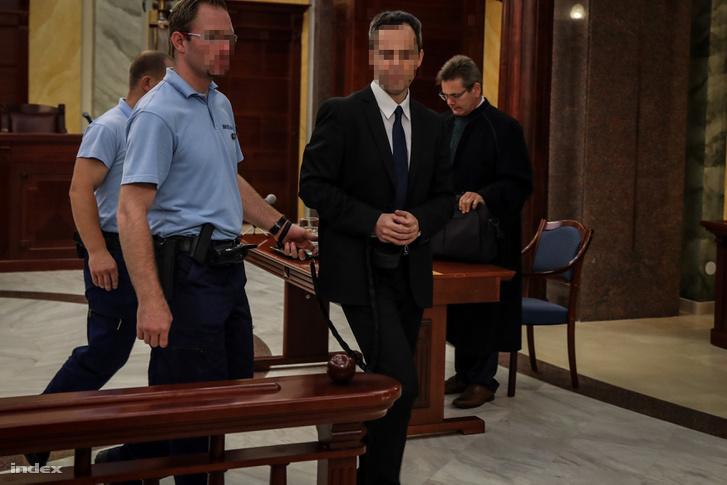 B. Krisztián a bíróságon