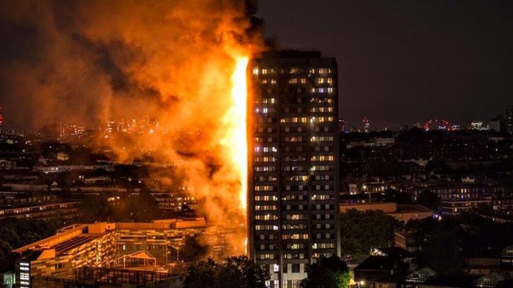Lángokban a toronyház