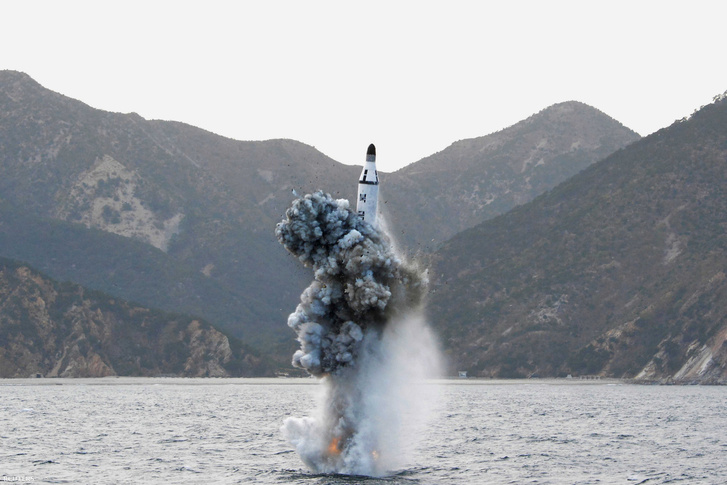 Észak-koreai rakétateszt