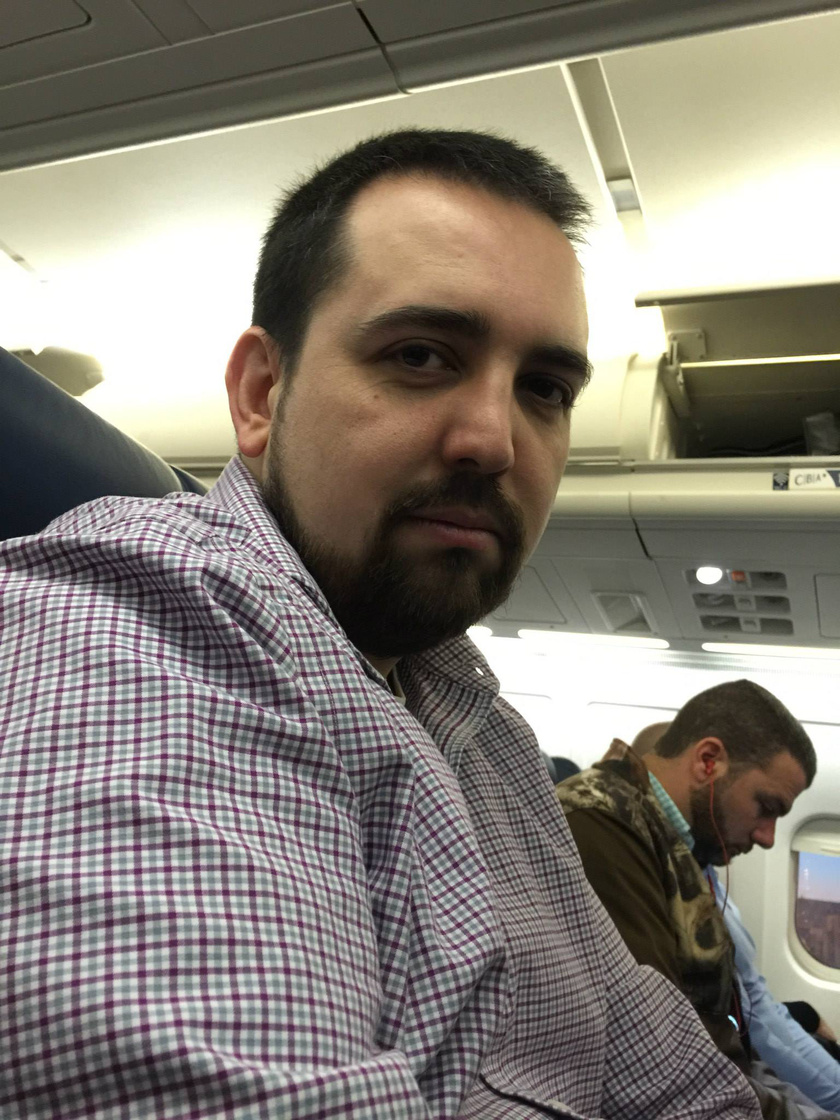 Még meg sem érkeztek Puerto Ricóba, de Kevin már unatkozik felesége nélkül.