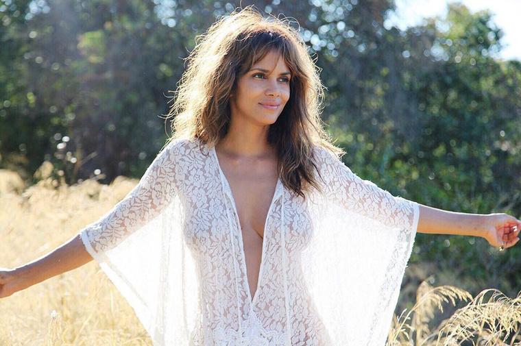 Halle Berry is hisz az ilyenekben, hisz tudja, hogy meglátogatta egy szellem.