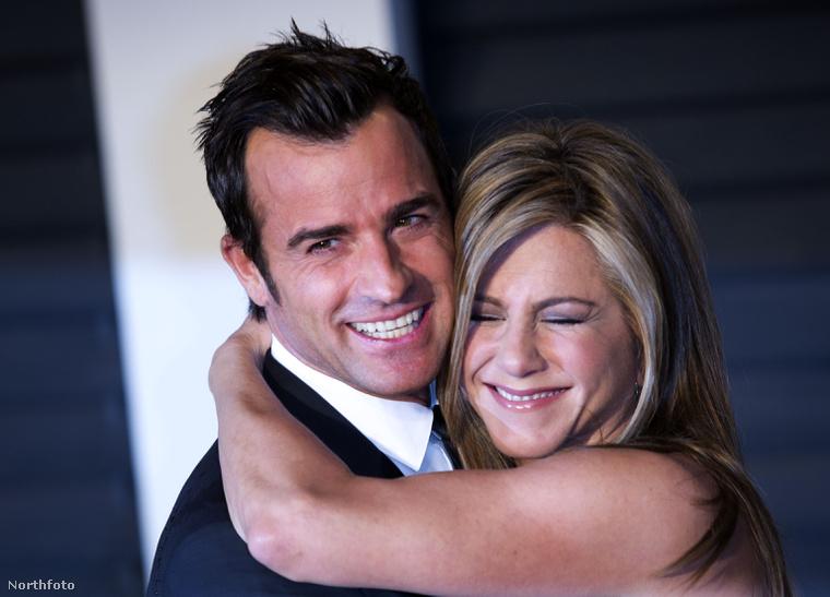 Justin Theroux és Jennifer Aniston titokban fogadta egymásnak örök hűséget otthonukban.
