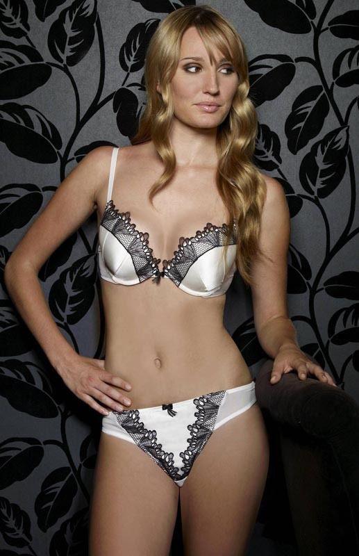 Ruby Stewart 2005-ben mutatkozott be modellként a londoni divathéten.