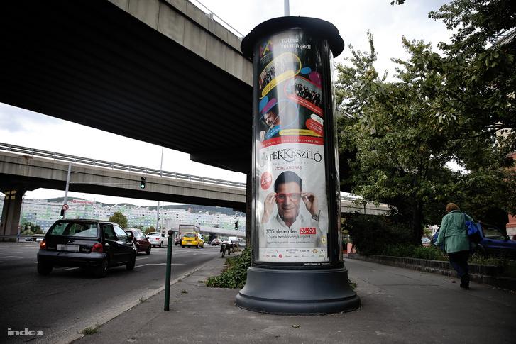 Mahir hirdetőoszlop a Flórián téren