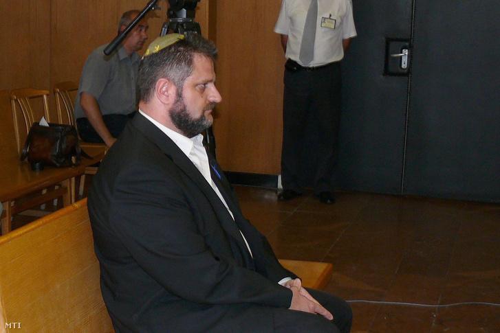 Dániel Péter a bíróságon 2012 szeptemberében