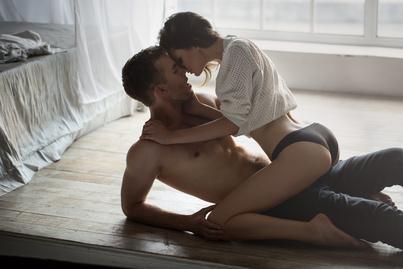 Durva kényszerített párok pornó