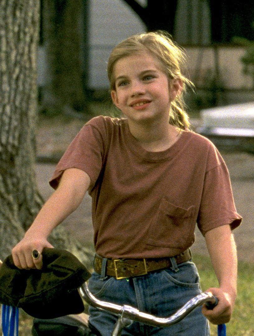 Anna Chlumsky tízéves volt, amikor megkapta Vada szerepét a filmben.