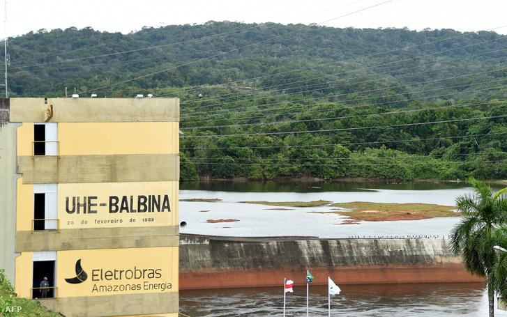 Vízerőmű az Amazonasba ömlő Uatuma folyón
