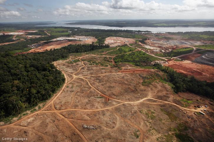 Vízerőmű-építés az Amazonas medencéjében 2012-ben