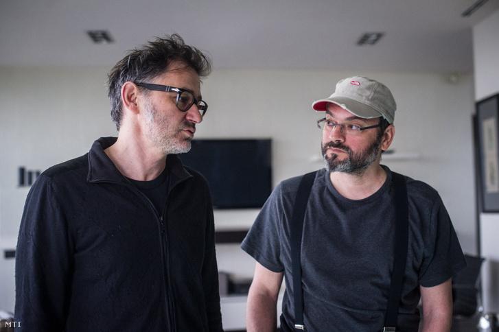 Szecsanov Martin operatőr (b) és Ujj Mészáros Károly rendező (j) az X. című skandináv típusú krimije forgatásán
