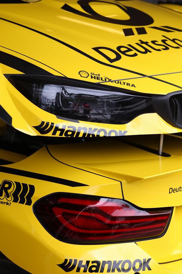 Optikai csalódás? A Timo Glock BMW-jének, a Yellow Beast eleje-hátulja egy sztenderen. A Ezek az alkatrészek kompletten is mindössze néhány kg-ot nyomnak, közel űrtechnológiával készülnek