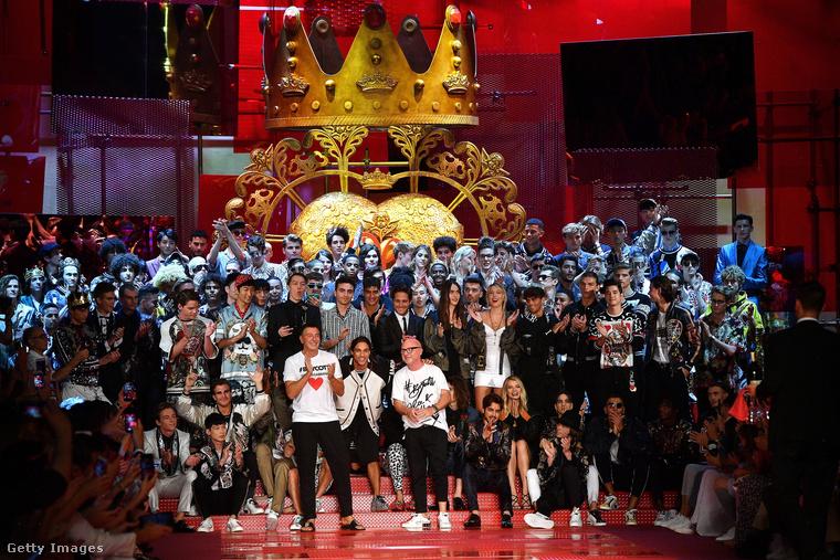 Június 17-én volt egy Dolce&Gabbana divatshow a milánói divathéten, ami alapvetően nem biztos, hogy érdekelne minket, ha...