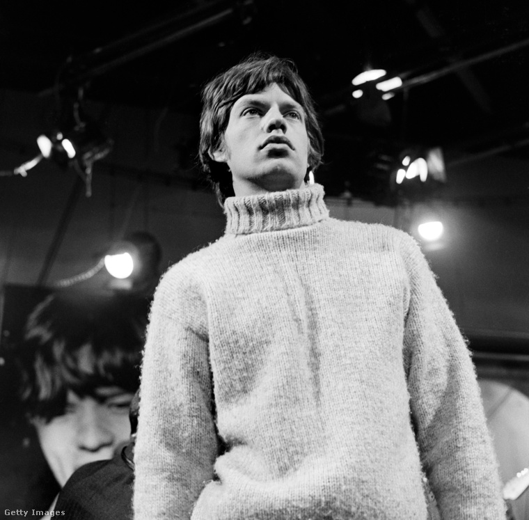 a fiatal Mick Jaggerre?