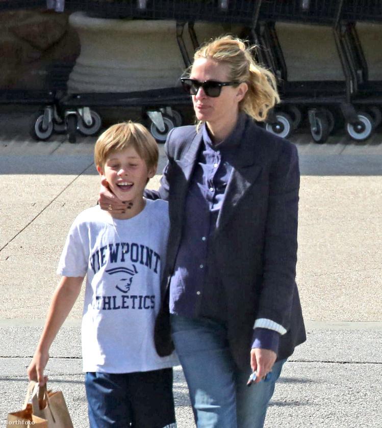 Nem más, mint Julia Roberts és fia, Henry szerepel a képen.