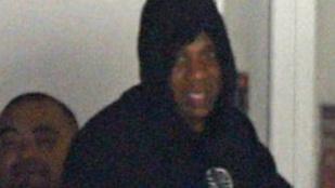 Jay-Z mosolyogva kereste fel a kórházat, ahol megszülettek ikrei