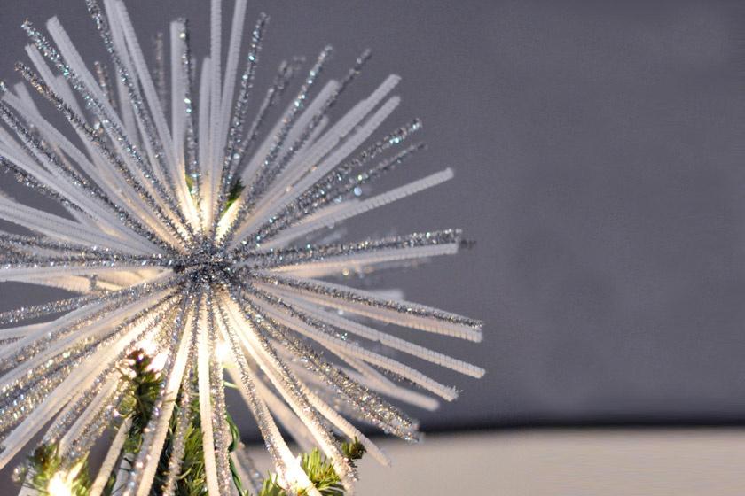 Készítsd el ezt a látványos csúcsdíszt a karácsonyfára percek alatt!