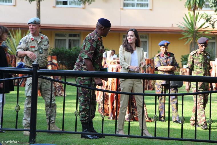 Ennek megfelelően legutóbb (június 20-án) az ENSZ Menekültügyi Hivatalának megbízásából Kenyában, Nairobiban járt.