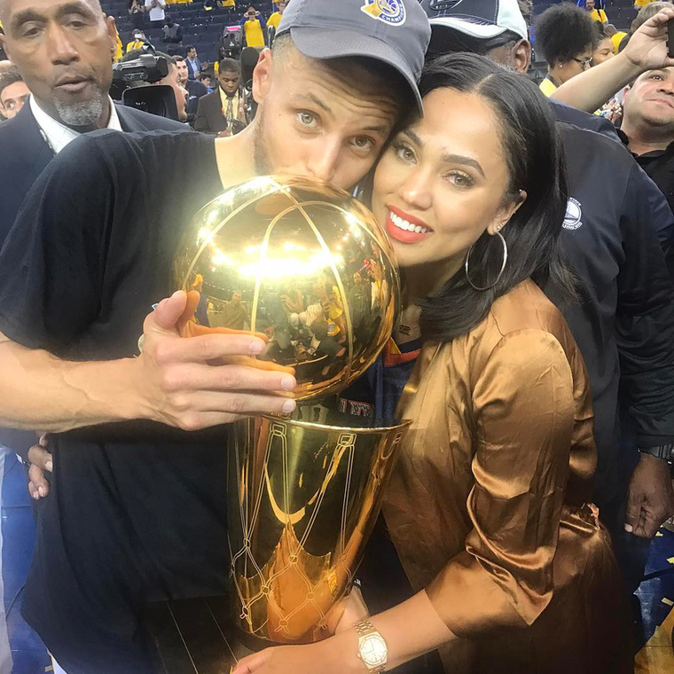 Neki Stephen Curry, a Golden State Warriors egyik oszlopos tagja a férje
