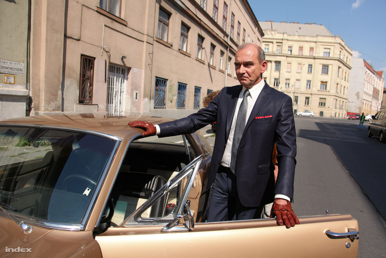 Szervét Tibor a Parkoló című film forgatásán.