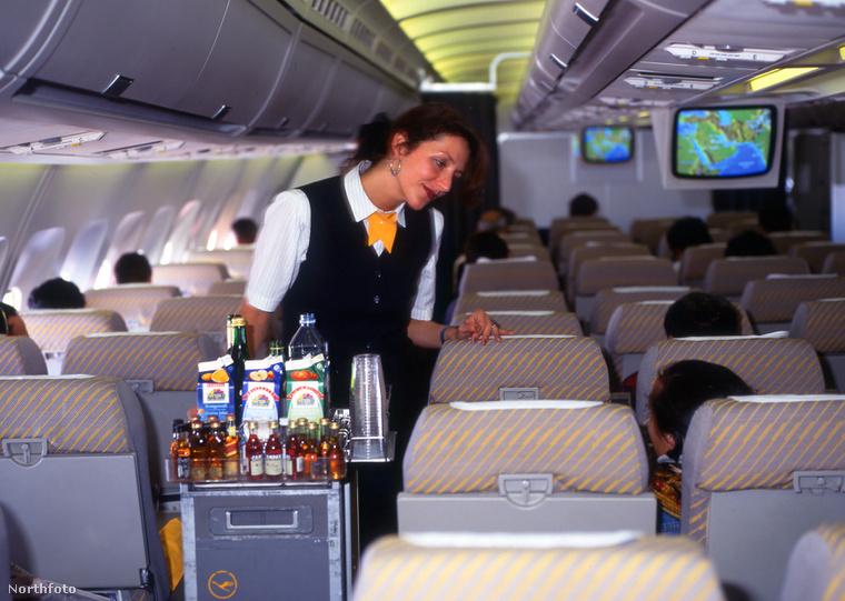 Nem biztos, hogy jó ötlet kávét/teát rendelni a hosszú járatokon.