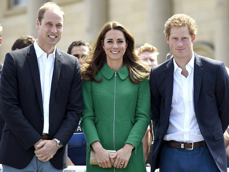 A királyi család fiatal tagjai együtt vennék kézbe az irányítást